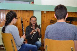 muziekles vluchtelingkinderen(101)
